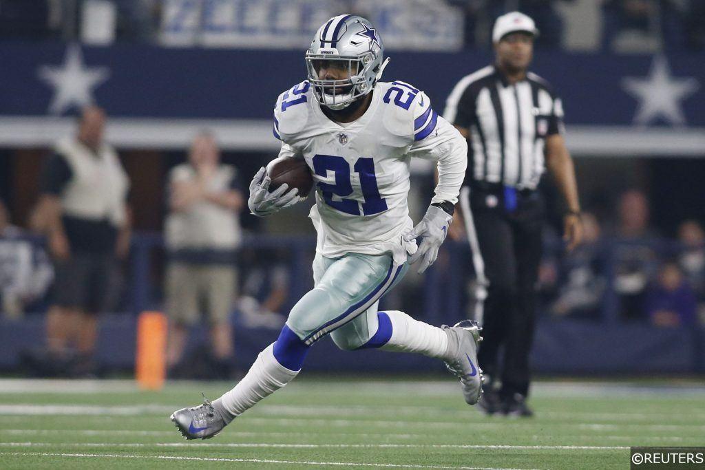 Ezekiel Elliott playing running back for the Dallas Cowboys