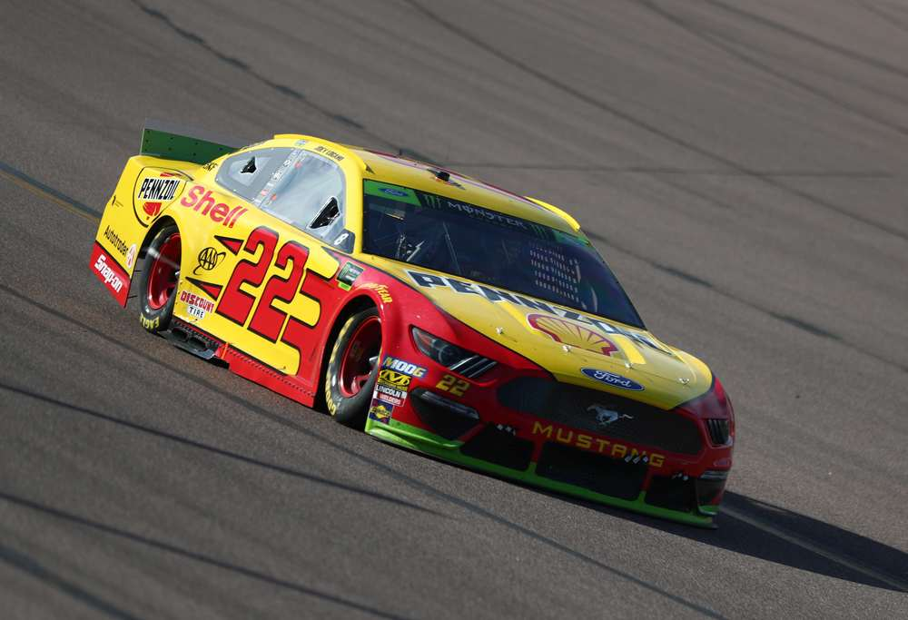 Joey Logano drives the #22 Shell Pennzoil Ford Mustang