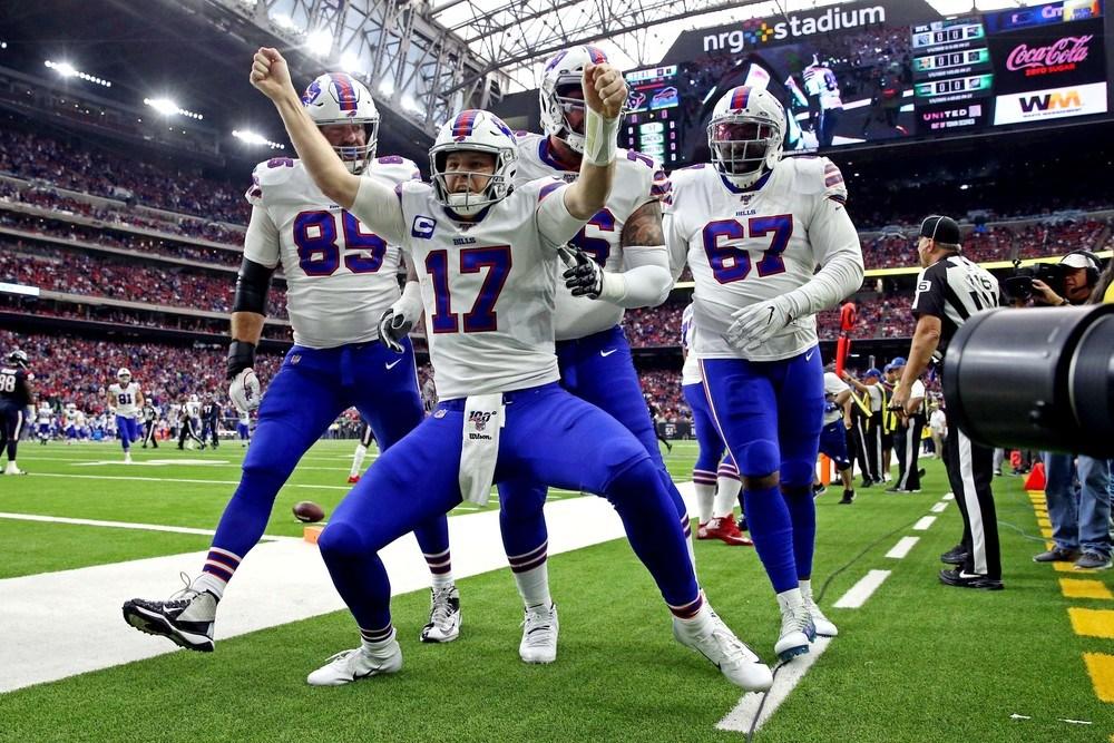 Buffalo Bills Josh Allen celebrating