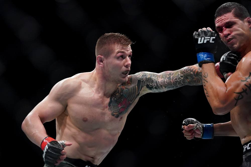 Marvin Vettori throwing a punch at UFC Fight Night: Sacramento
