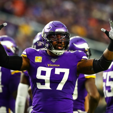 How signing Everson Griffen impacts Cowboys' betting futures