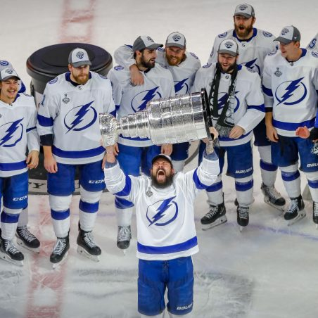 2021 NHL Stanley Cup Odds and Predictions - Tampa Bay Lightning favorites to retain title after beating Dallas Stars
