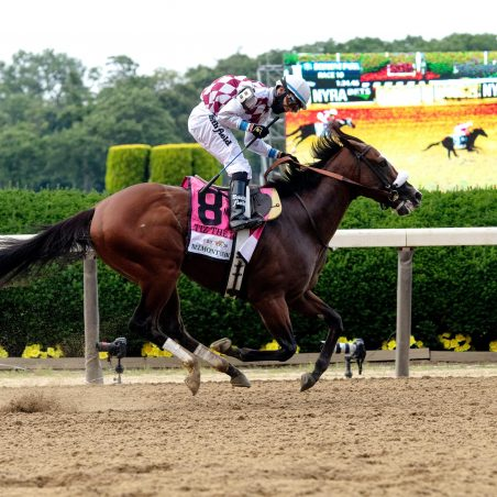 Horse Racing Picks at Belmont Park for Thursday, June 3: Glory for Regal Glory