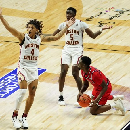 College basketball Thursday 4-team mega odds parlay (+2479)