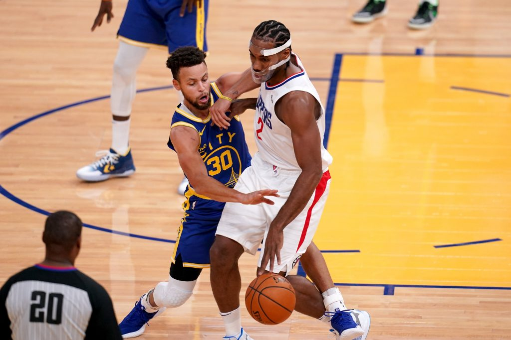 Stephen Curry of the Warriors and Kawhi Leonard of the Clippers