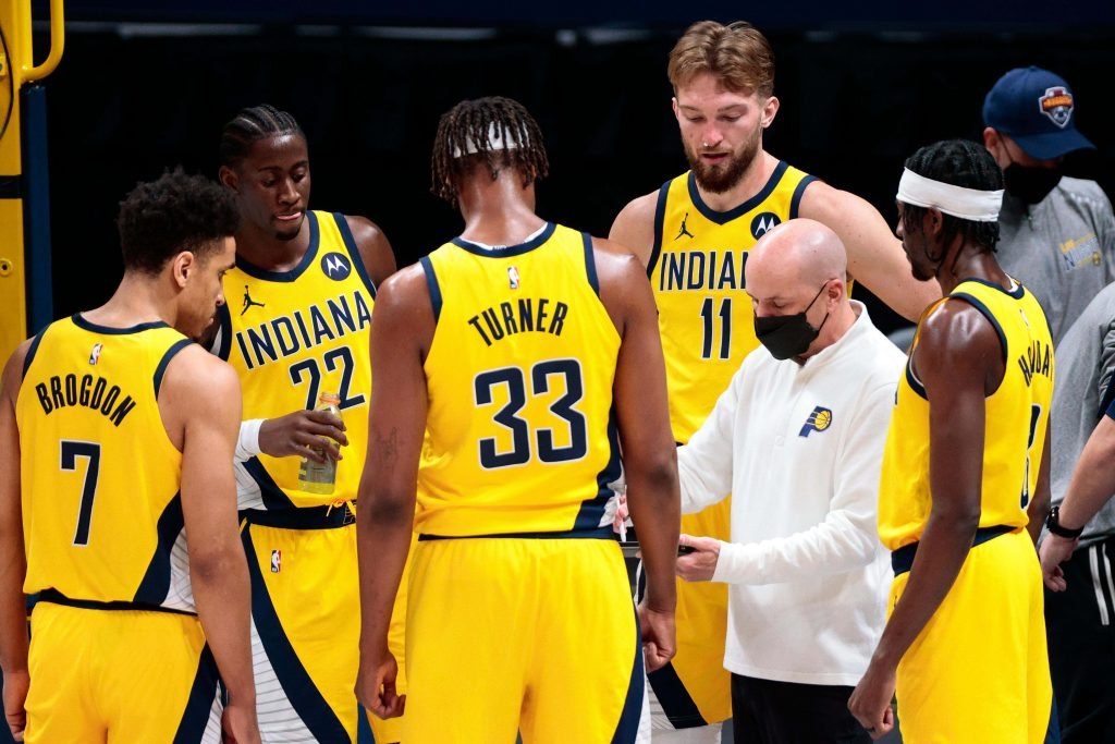 Indiana Pacers in the huddle