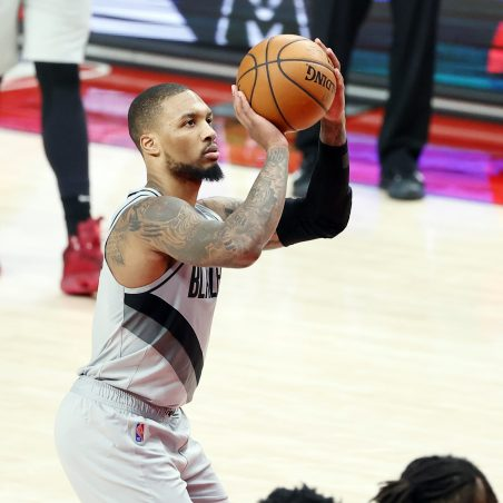 Best player prop bets for Sunday's NBA slate: It's Dame time