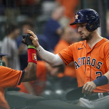MLB Sunday three-team mega parlay (+1695 odds): Astros bounce back