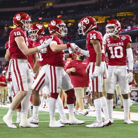 Looking ahead to the 2021 college football season: Odds, best bets and predictions for the National Championship